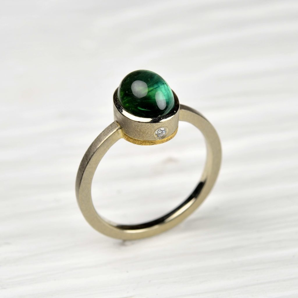18ct white and 22ct yellow gold ring with tourmaline and diamonds