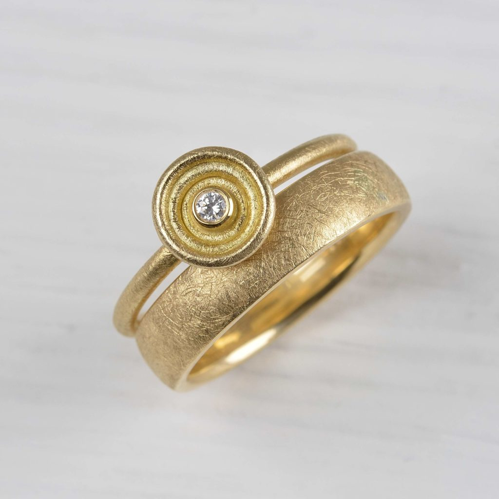 18ct gold rings with diamond