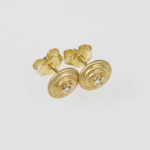 18ct gold studs with diamonds