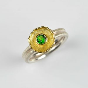 sterling silver and 18ct ring with chrome diopside