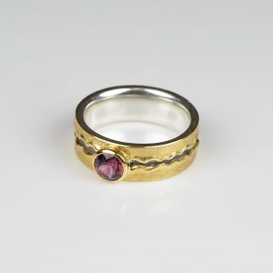 sterling silver and 18ct gold ring with spinel