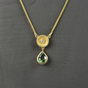 18ct gold pendant with tourmaline and diamond